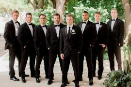 Xuất hiện trong nghi thức cưới: rể phụ có nên mặc vest không, vì sao?