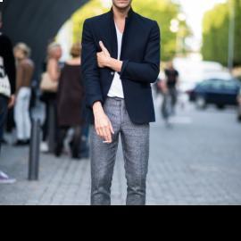 Vest phối quần jeans - đơn giản nhưng đầy phong cách